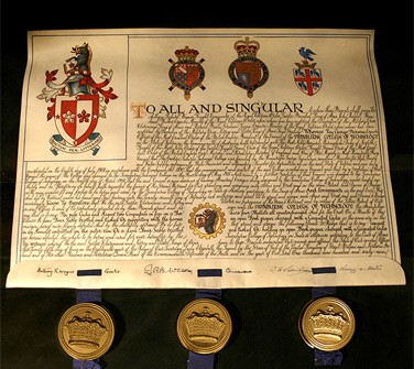 The motto: The College of Arms' translation of the motto is 'Achievement through learning'.