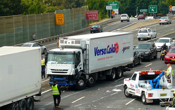 Most drivers have limited awareness of how to be safe around trucks | sv1ambo/Flickr, CC BY