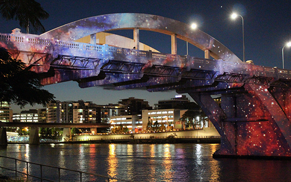 Suavi Lipinski's astrophotography was projected onto the William Jolly Bridge in Brisbane, Queensland as part of the ABC's Stargazing project.