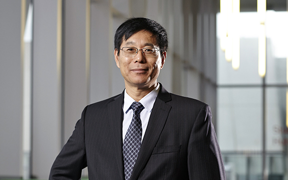 Professor Qing-Long Han, Pro Vice-Chancellor (Research Quality), is one of 185 researchers named as Highly Cited in two Essential Science Indicator categories.