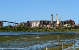 Heavy industry still seems reluctant to engage with the Emissions Reduction Fund. | Image: AAP Image/Dan Peled