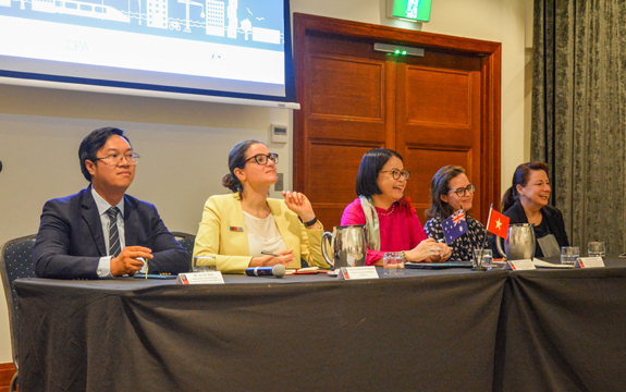 delegates from Vietnam and Swinburne experts share the panel discussion