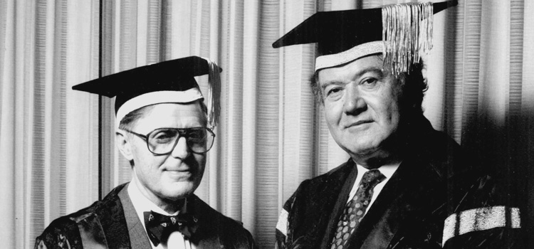 L–R: Vice Chancellor Professor Iain Wallace and Chancellor Richard Pratt at the installation of Richard Pratt as foundation chancellor, March 1993.
