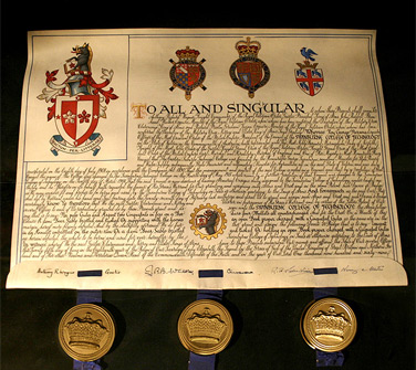 the College of Arms' translation of the motto is 'Achievement through learning'.