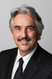 Corporate headshot of Swinburne Professional consultant, Chris Pascuzzi.