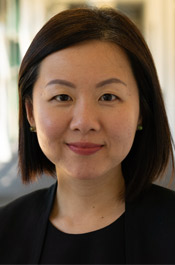 Corporate headshot of Swinburne Professional consultant, Wei-Li Wong.