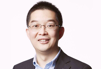 Head and shoulders picture of Associate Professor Kai Qin