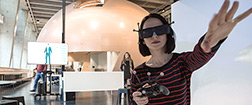 Using a virtual reality headset in the Factory of the Future