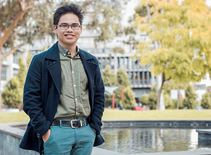 Leinard Tapat, a digital media design student, shares his experience at Swinburne.